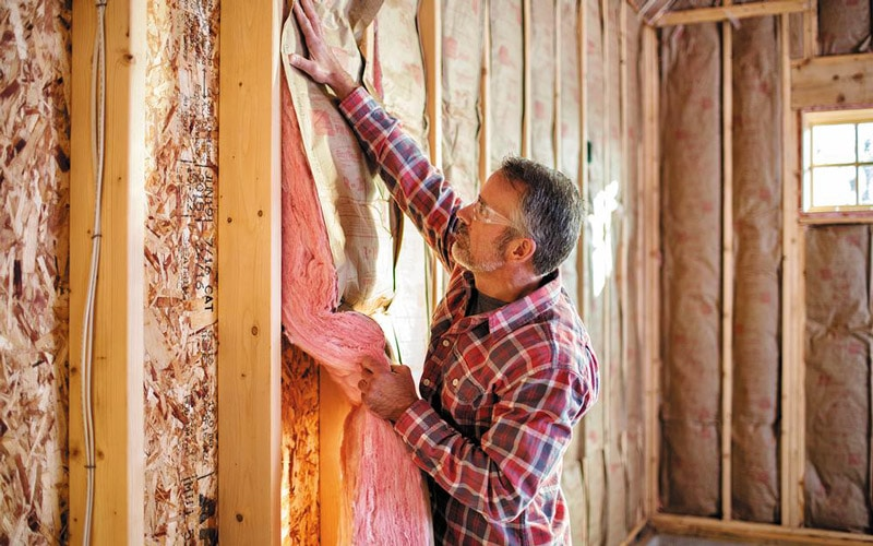 Best Insulation for 2×4 Walls – Buyer's Guide
