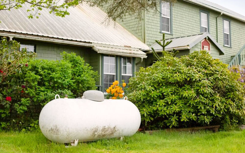 Best Paint for Propane Tank – Why Should the Paint Color be Light?